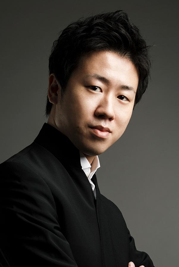 川瀬賢太郎 / Permanent Guest Conductor